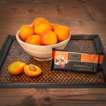 Milk Chocolate filled with Apricot Jam and Apricot Brandy 70g